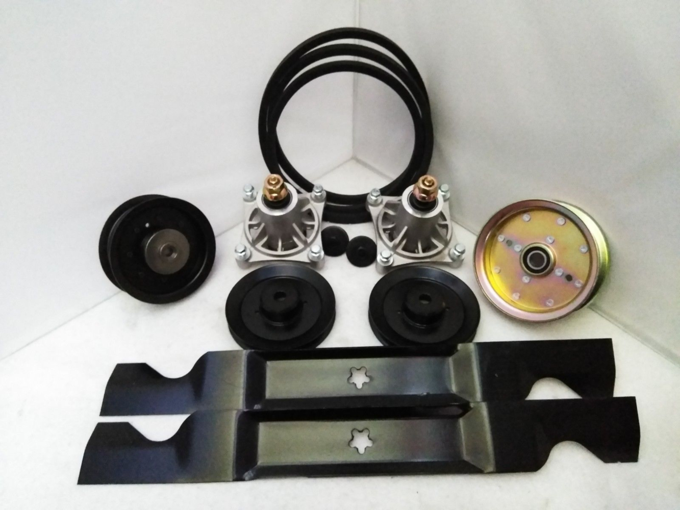 Replacement kit Husqvarna blades belt spindle pulley 539117245